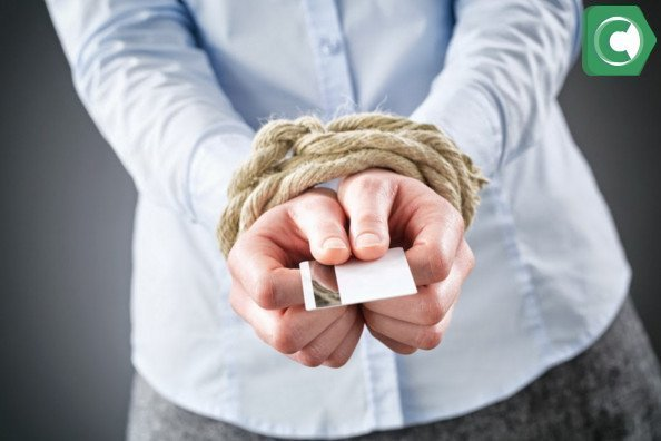Что делать если приставы арестовали зарплатную карту
