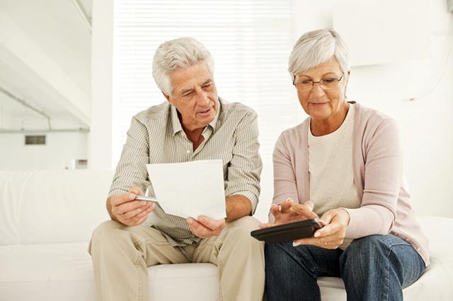 Увольнение пенсионера по сокращению штата и досрочный выход на пенсию