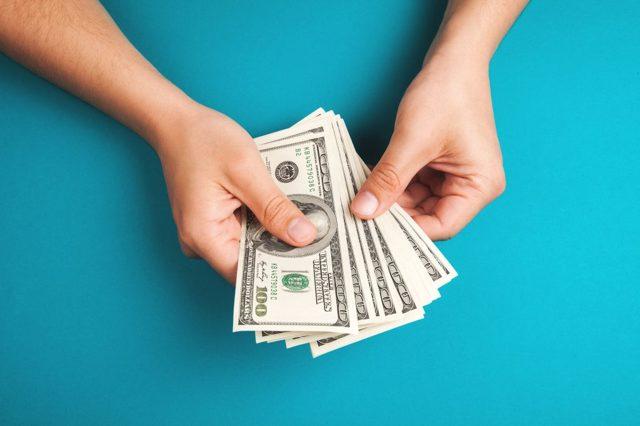 Как осуществить перевод денег за границу физическому лицу