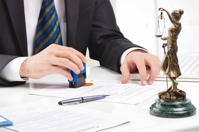 Как переписать долю в квартире на родственника - советы юриста