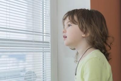 Прописка несовершеннолетнего - чем может грозить