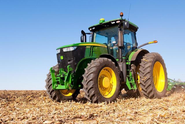 Права на трактор: категории, как получить, где учиться