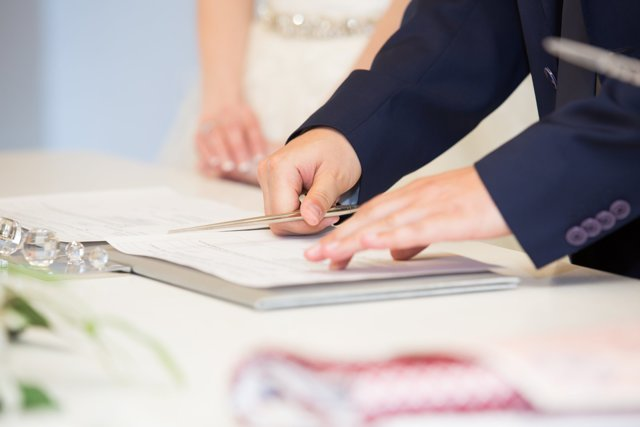Можно ли подать заявление в ЗАГС одному из супругов
