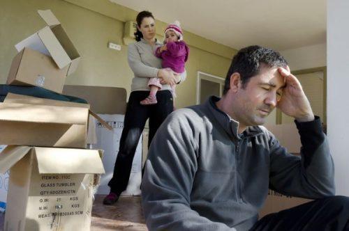 Как выдворить бывшего мужа из собственной квартиры