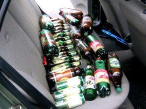 Разрешено ли пить алкоголь в припаркованной машине - лишают ли за это прав