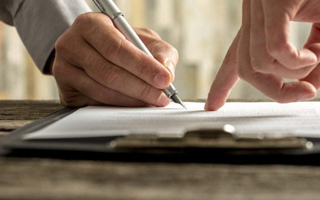 Возмещение ущерба при ДТП: нюансы ОСАГО, составление и образец расписки