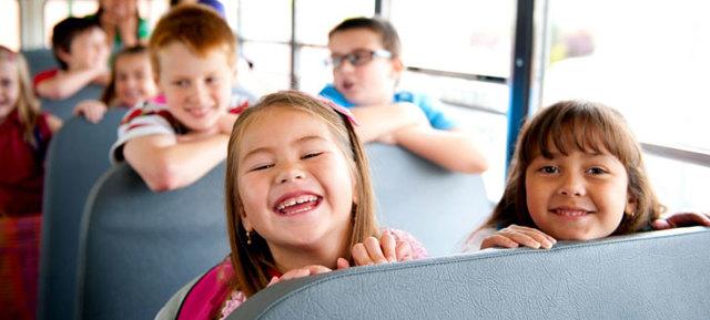 До скольки лет нужно детское автомобильное кресло по ПДД