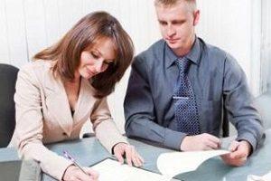 Нужно ли заверять соглашение о разделе имущества супругов у нотариуса{q}