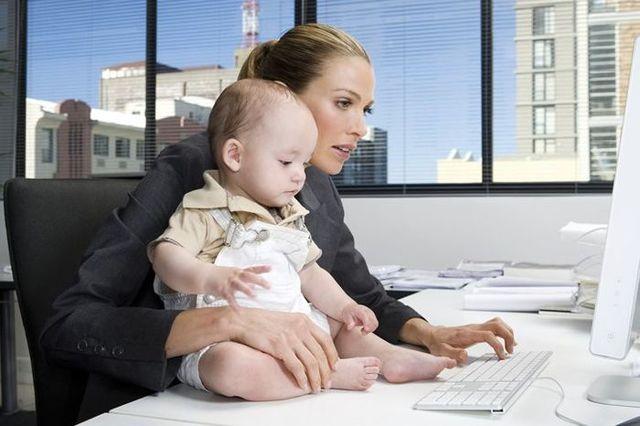 Права матери одиночки: пособия, правила трудового кодекса
