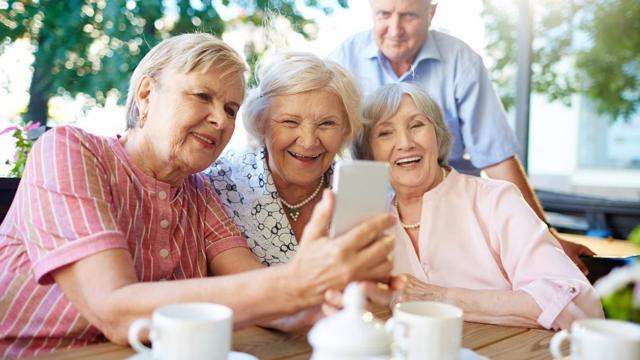 Социальные программы для пенсионеров в Москве