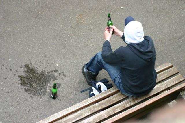 Распитие спиртных напитков несовершеннолетними - статья