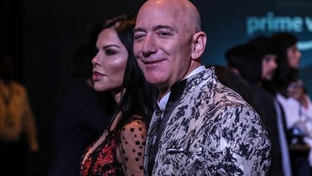 Джефф Безос разбогател на $13 млрд за 15 минут