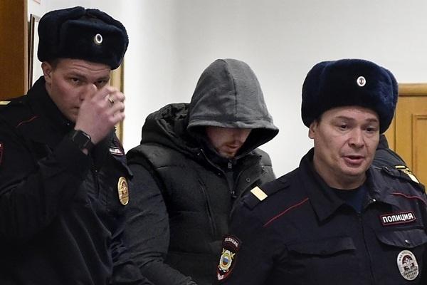 Суд арестовал всех обвиняемых по делу Голунова экс-полицейских